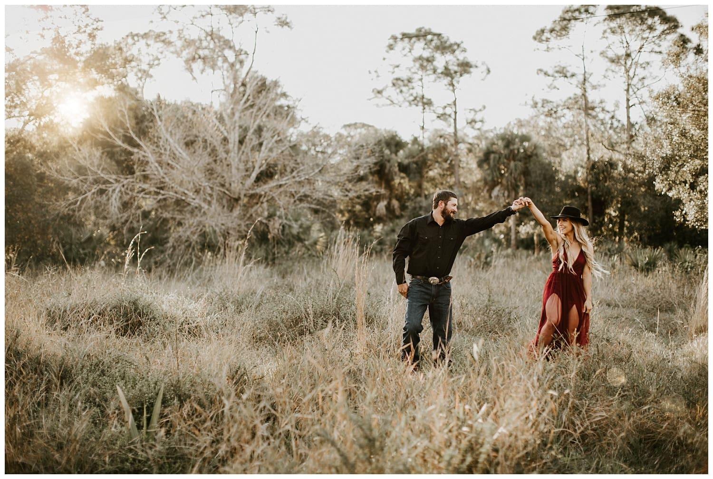 jupiter-florida-riverbend-park-couples-photoshoot_0008.jpg