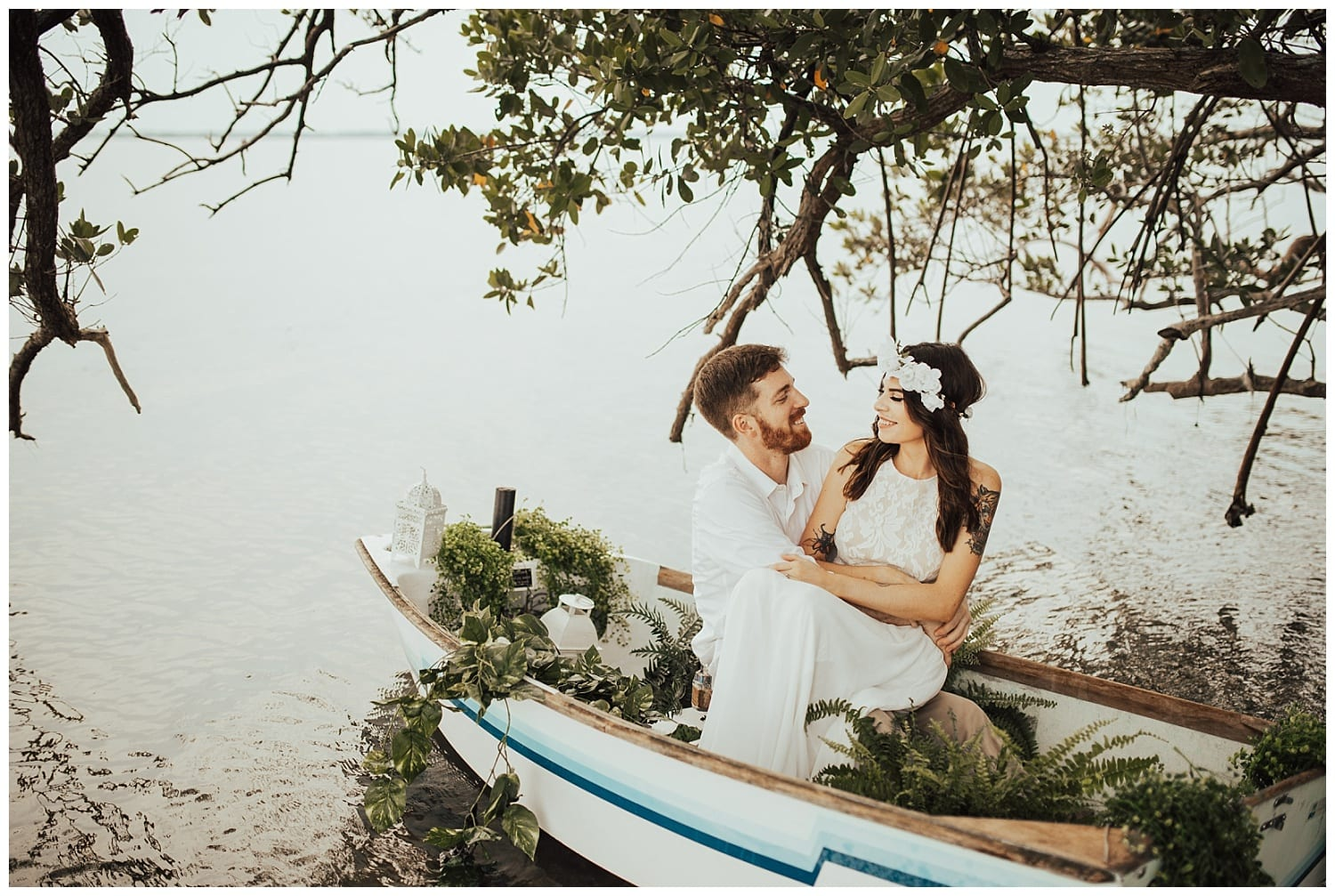 engagement photos in boat