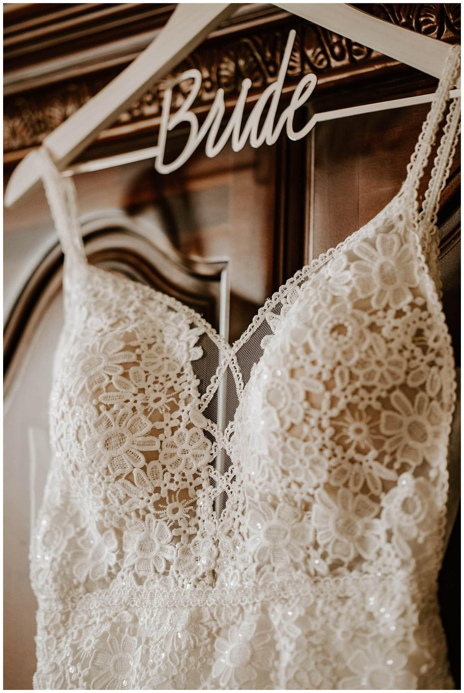 carnegie resort wedding,flower detail wedding dress,flowy wedding dress,roan mountain elopement,roan mountain wedding,